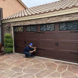 Lovely Palm Desert Garage Door Repair