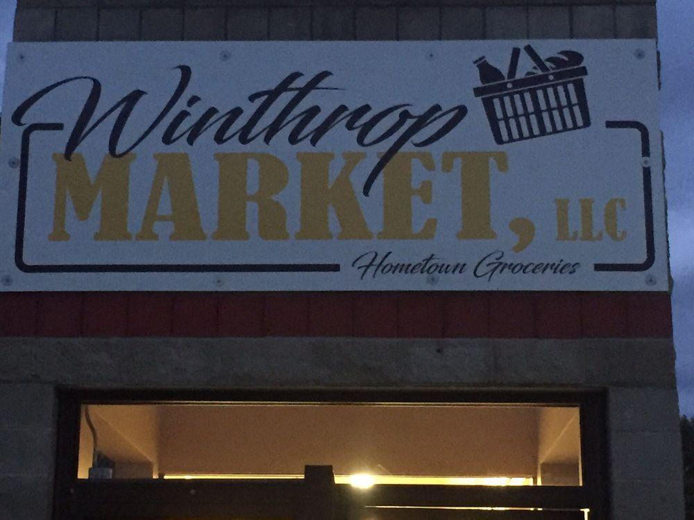 Winthrop Market: 104 Main St N, Winthrop, MN