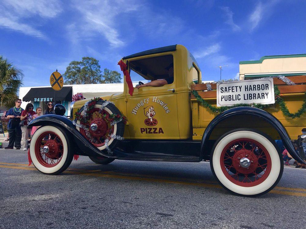 Holiday Parade Safety Harbor: 100 Main St, Safety Harbor, FL