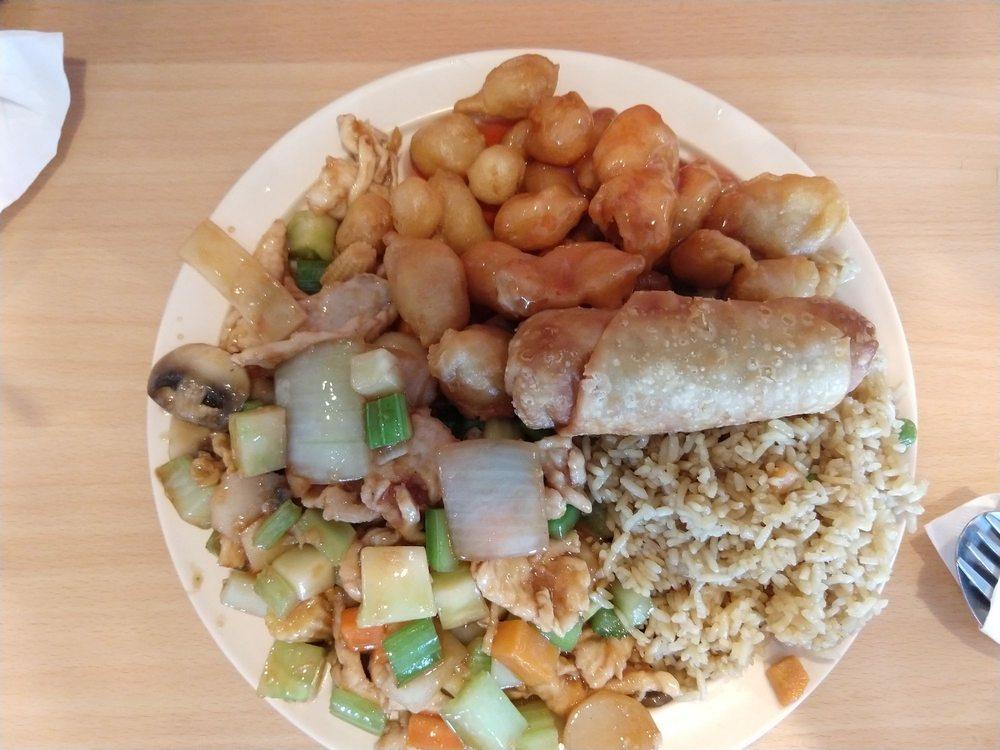 Lin Cuisine IV: 225 S Broadway St, Checotah, OK