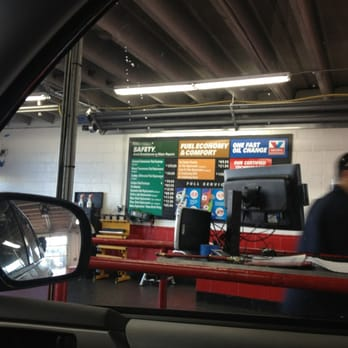 Delta Sonic Oil Change >> Valvoline Instant Oil Change 19 Reviews Oil Change