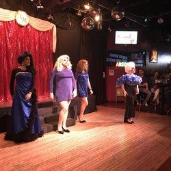 Chicago lesbian night clubs