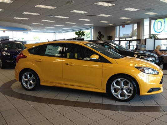 2013 ford focus st in tangerine scream on our showroom floor yelp. Black Bedroom Furniture Sets. Home Design Ideas