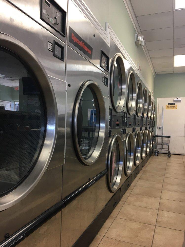 Mama's Laundromat: 11031 Leavells Rd, Fredericksburg, VA