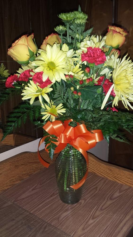 Emile's Floral Design: 119 Bellemeade Blvd, Gretna, LA