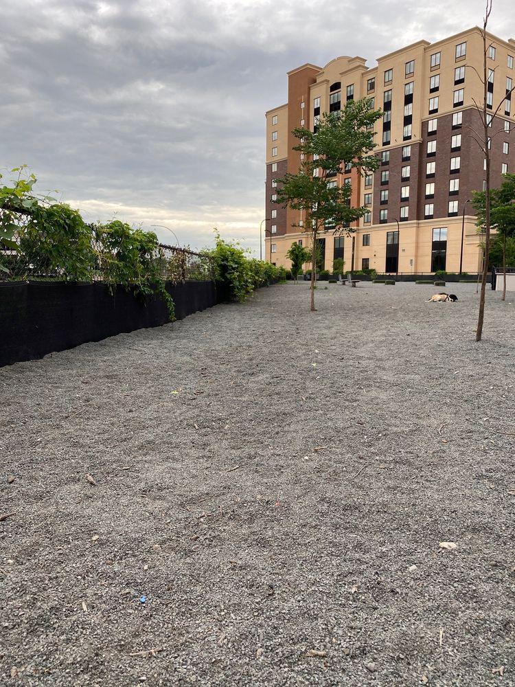 Gateway Dog Park - Off-Leash Play Area