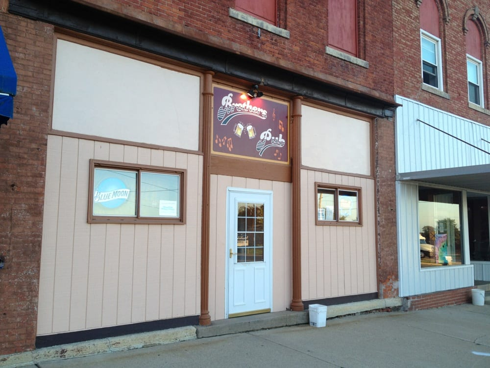 Brothers Pub: 103 S Main St, Sheffield, IL
