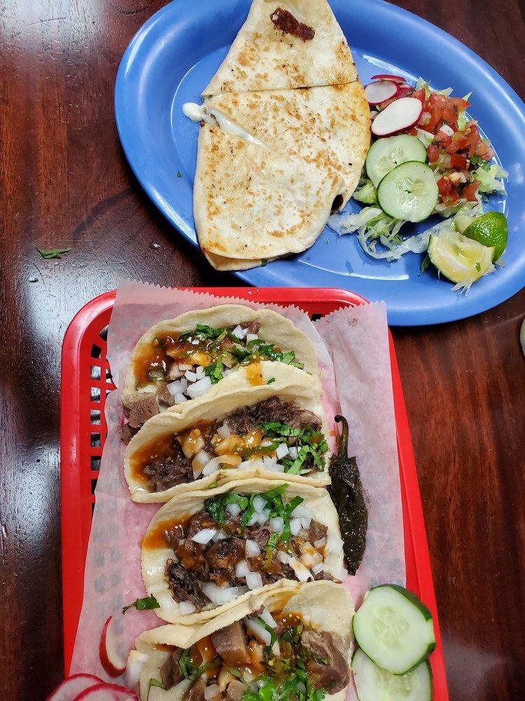 Food from Taqueria Los Juanes