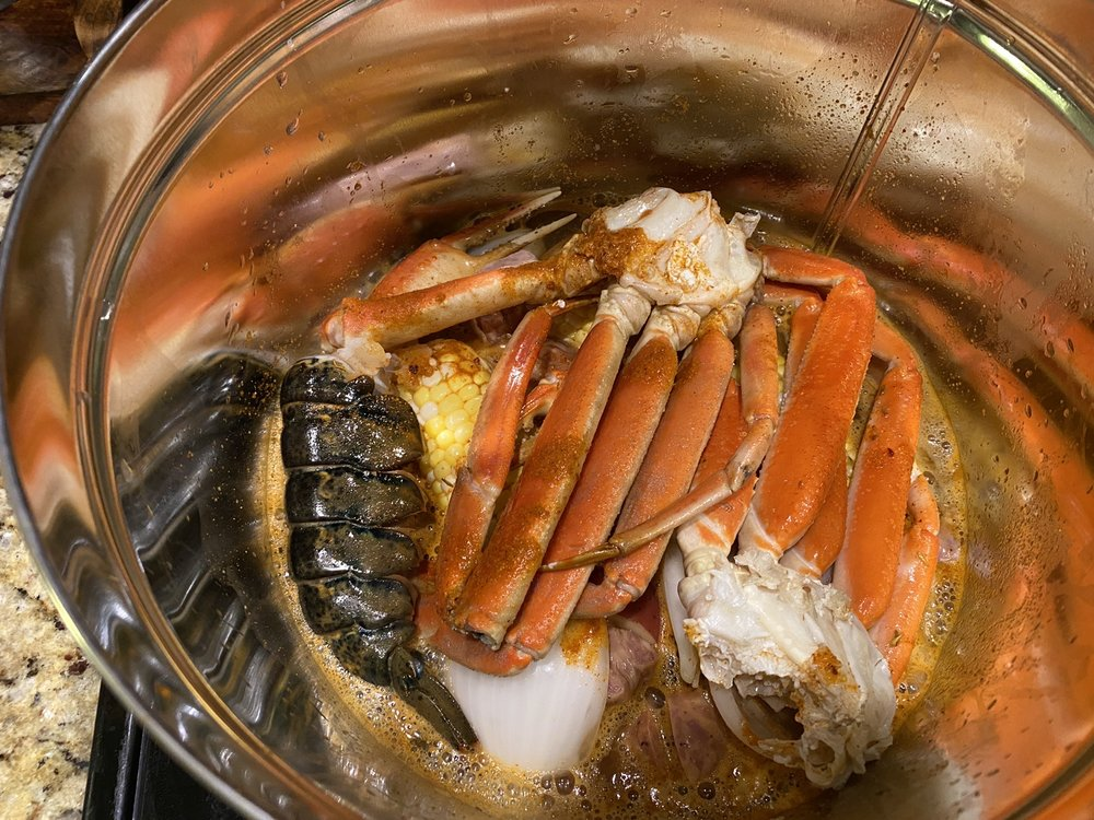 Cape Fear Boil Company: 1140 N Lake Park Blvd, Carolina Beach, NC