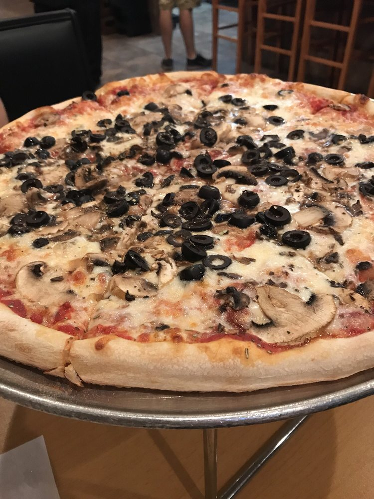 Rocco's Pizza Restaurant: 4369 Commercial Way, Spring Hill, FL