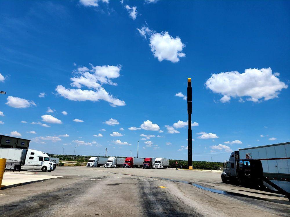 Love's Travel Stop: 3880 Loop 467, Sonora, TX