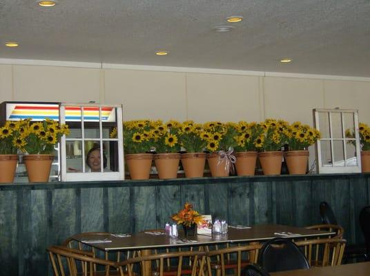 Photo Of Hungry Traveler Restaurant Henryetta Ok United States Cheery Interior Decor