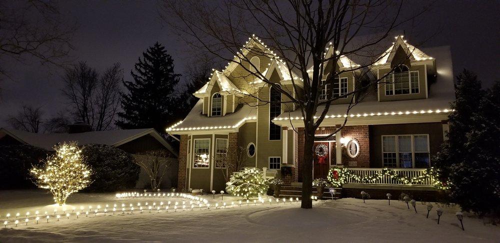 It's A Wonderful Light: Elk Grove Village, IL