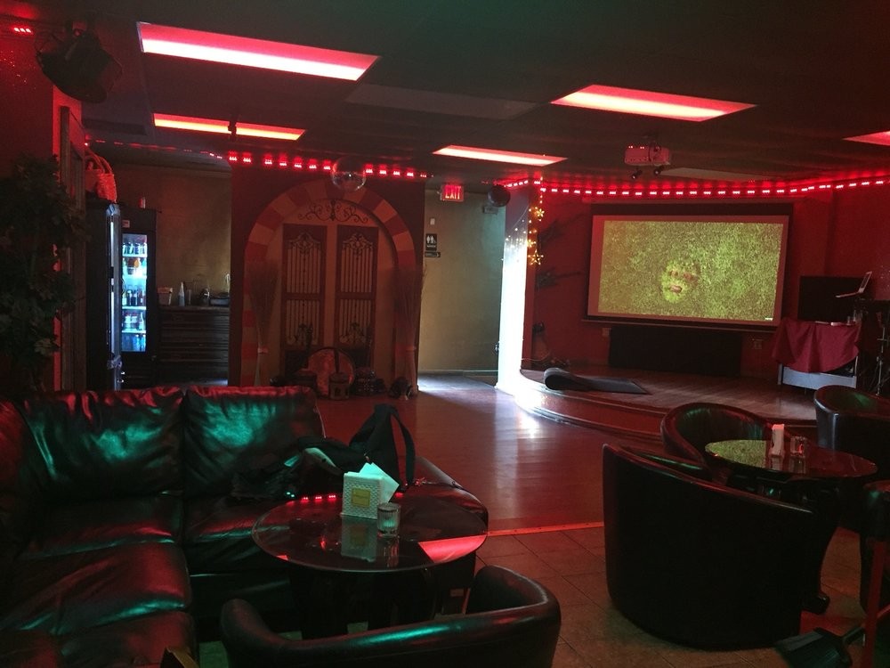 Sahara Hookah Lounge: 11137 Reading Rd, Cincinnati, OH