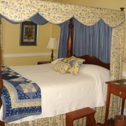 colonial capital bed & breakfast - hotels - 501 richmond rd