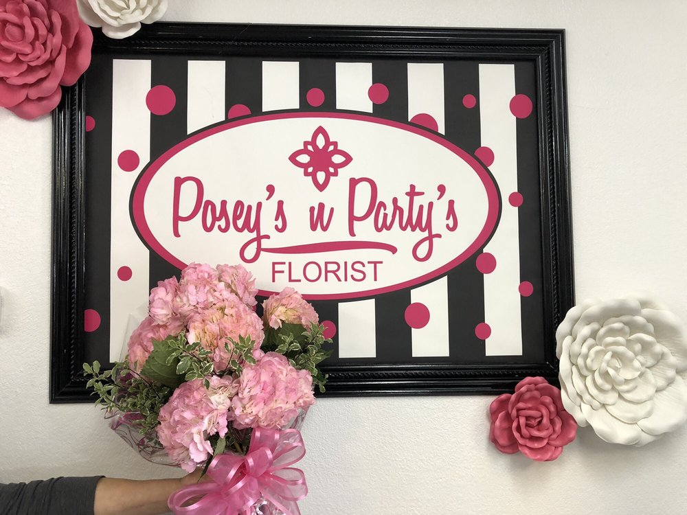 Poseys 'N' Partys Florist: 910 S Cockrell Hill Rd, Duncanville, TX