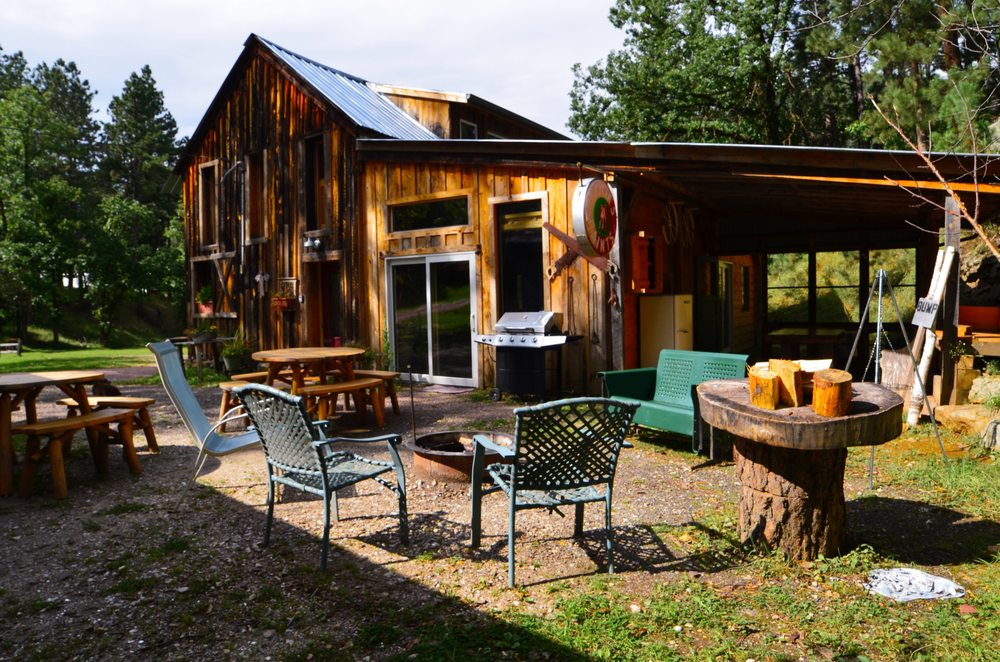 Backroads Inn & Cabins: 901 Echo Valley Rd, Keystone, SD