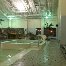 Germantown indoor swim center 15 photos 12 reviews swimming pools 18000 central park cir for Germantown indoor swimming pool