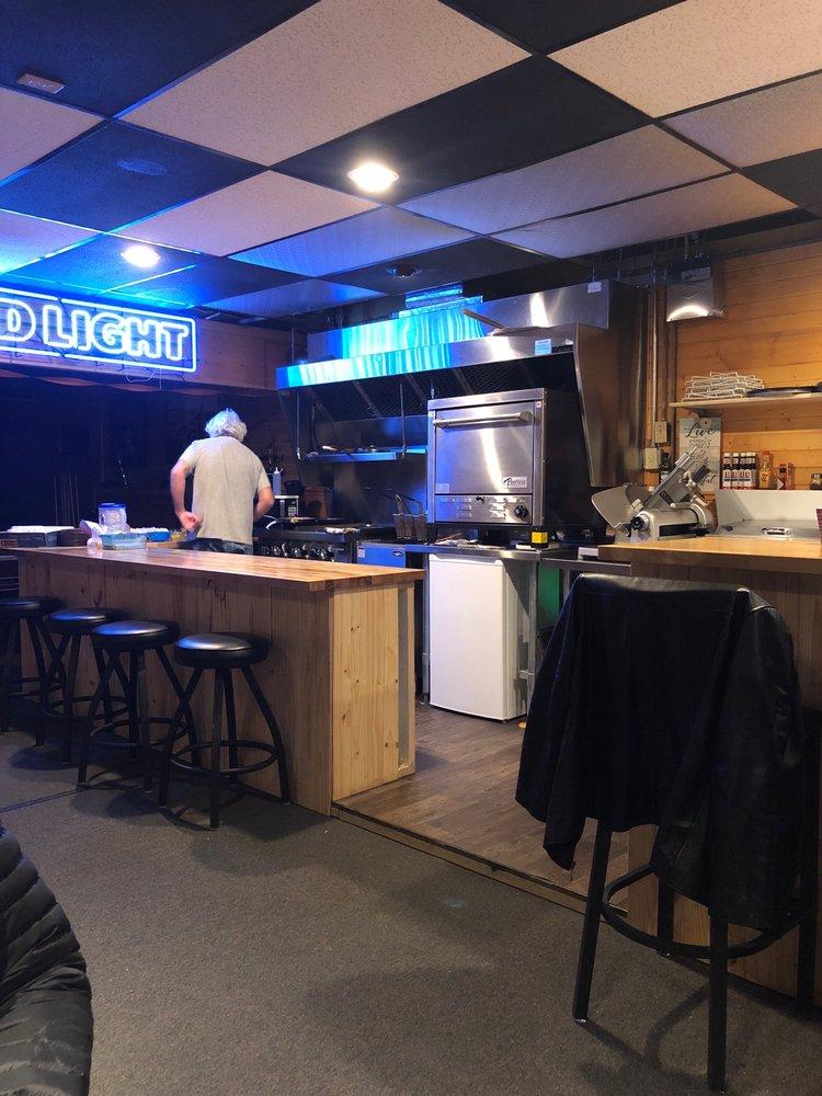 Donnies Breakfast Diner & Pizzaria: 203 Main St, Mobridge, SD