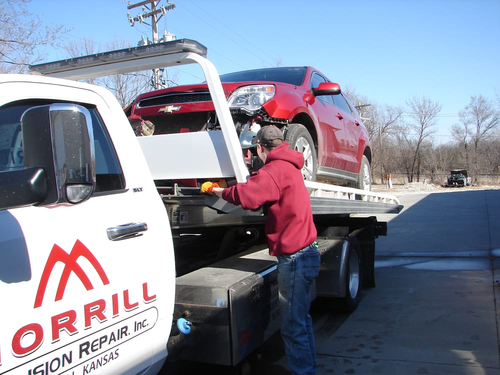 Morrill Collision Repair: 702 Roxanna St, Morrill, KS