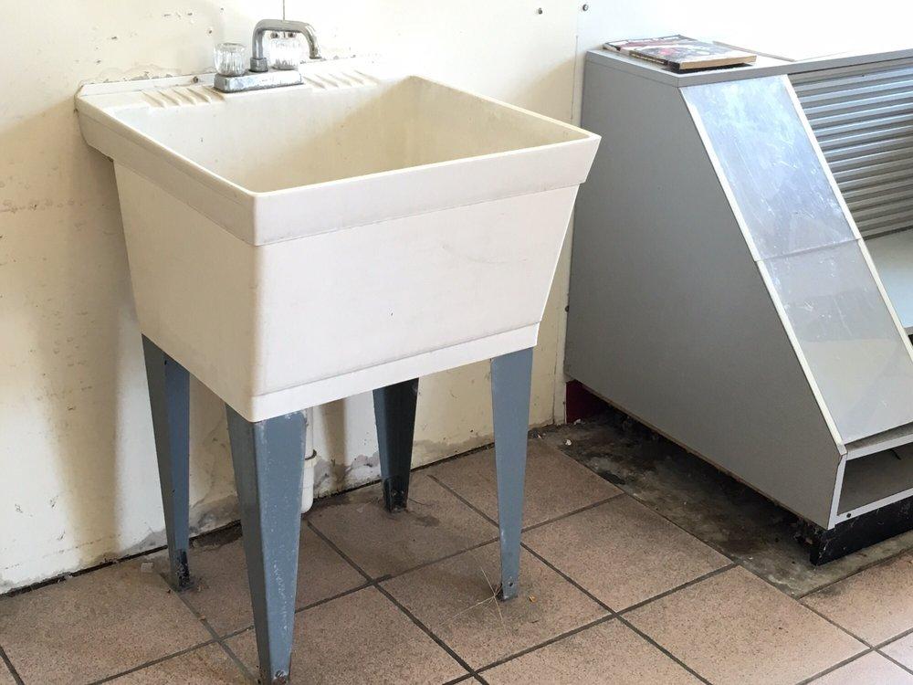 Laundry Tyme: 104 Blue Star Hwy, Douglas, MI