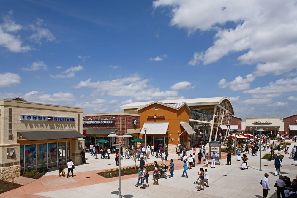 Oct 02,  · Houston Premium Outlets features an impressive collection of the finest brands for you, your family and your home. Located approximately 35 miles northwest of downtown Houston, you're sure to find impressive savings all year round.4/4().