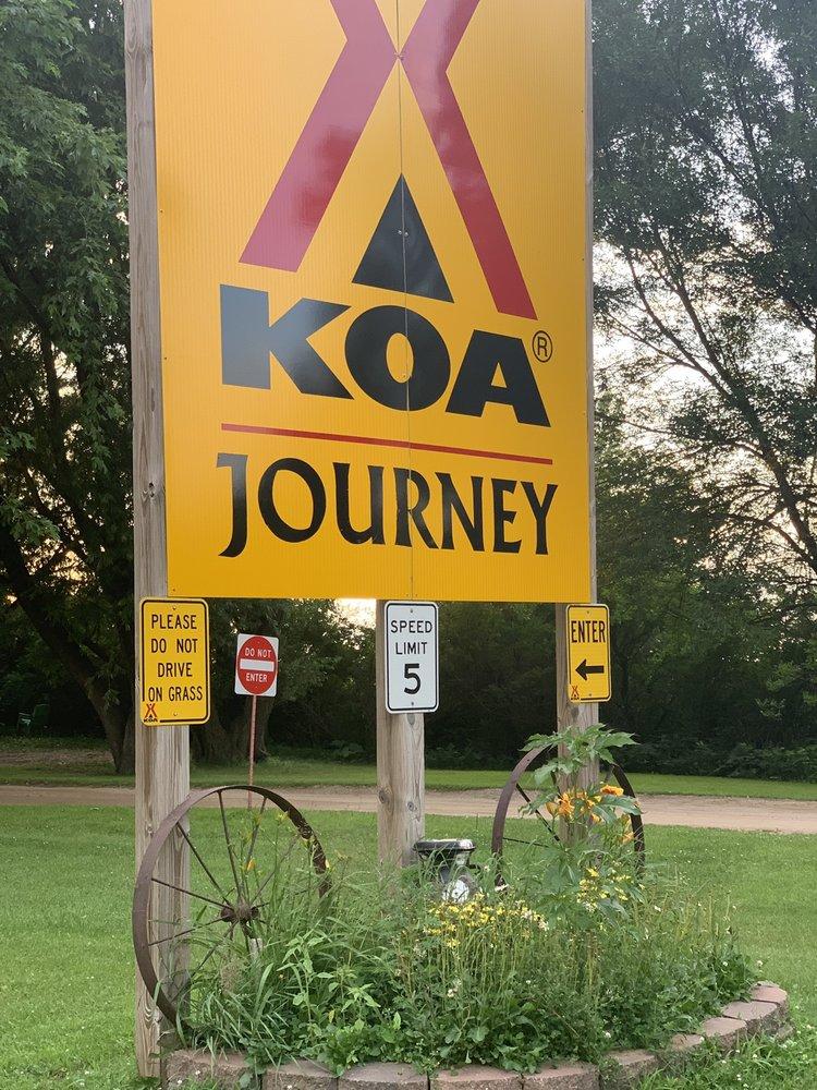 Jackson KOA: 2035 Highway 71 North, Jackson, MN
