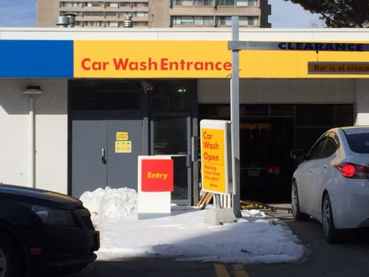 Shell clean car wash auto detailing 705 don mills road north photo of shell clean car wash north york on canada solutioingenieria Images