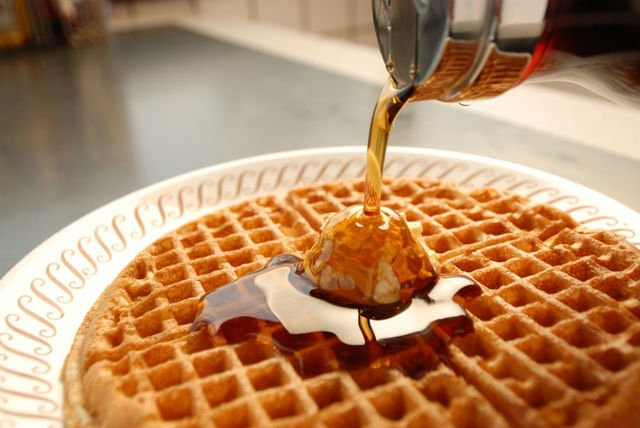 Waffle House: 4525 James S McDonnell Blvd, Berkeley, MO