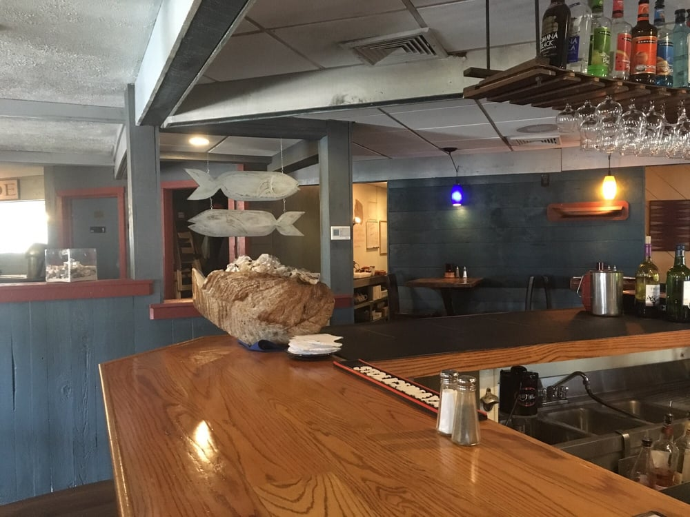 The bar area yelp for Saybrook fish house
