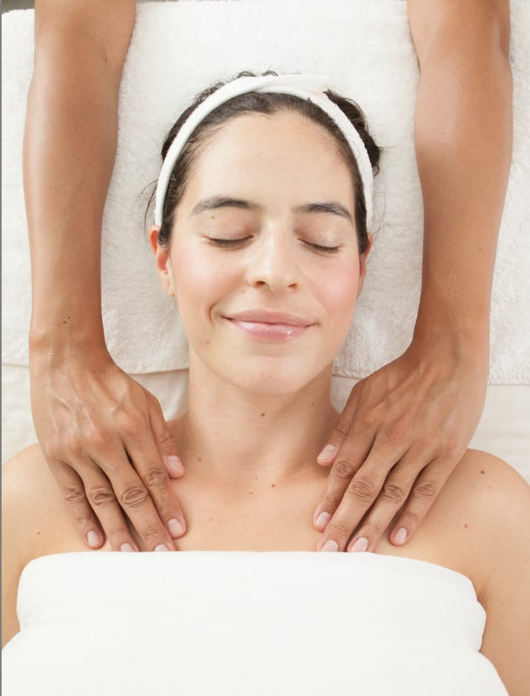 how to become a certified massage therapist