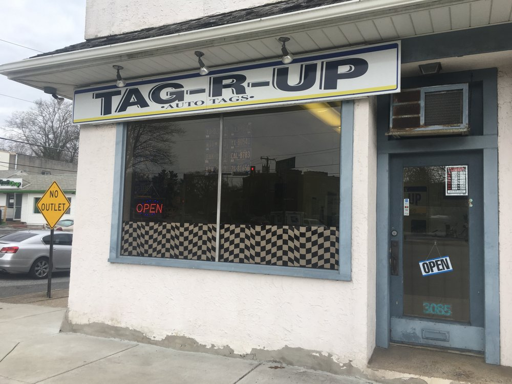 Tag-R-Up: 3085 W Chester Pike, Newtown Square, PA