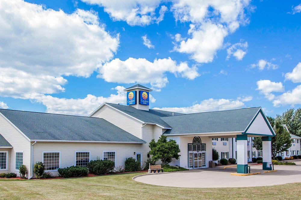 Comfort Inn: 527 16th Ave SE, Dyersville, IA
