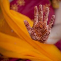 27c31fb87e8e4 Photo of Henna Caravan - Camarillo, CA, United States. Whimsical and  traditional motifs