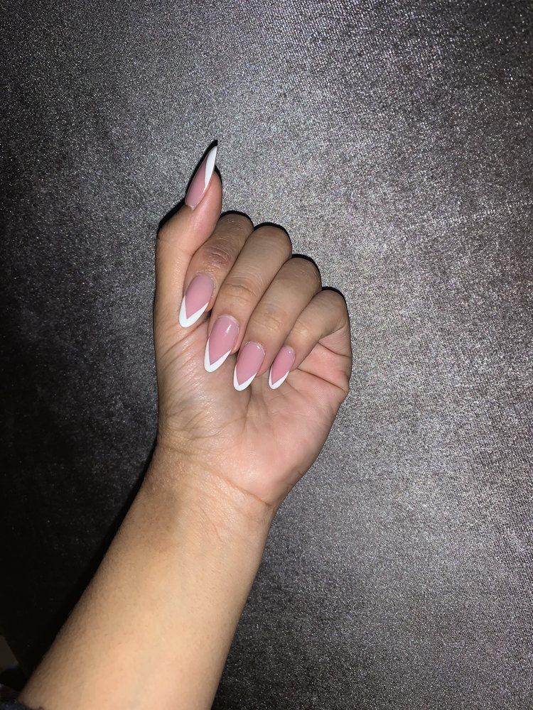 Divine Nails & Spa: 11540 Magnolia Pkwy, Manvel, TX