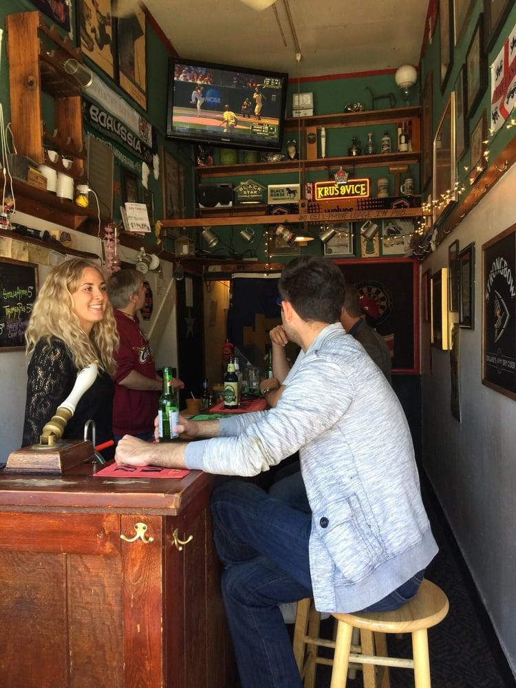 The Black Horse London Pub