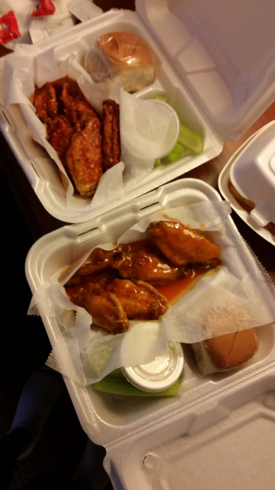 Hot Wings: 3566 Towne Point Rd, Portsmouth, VA