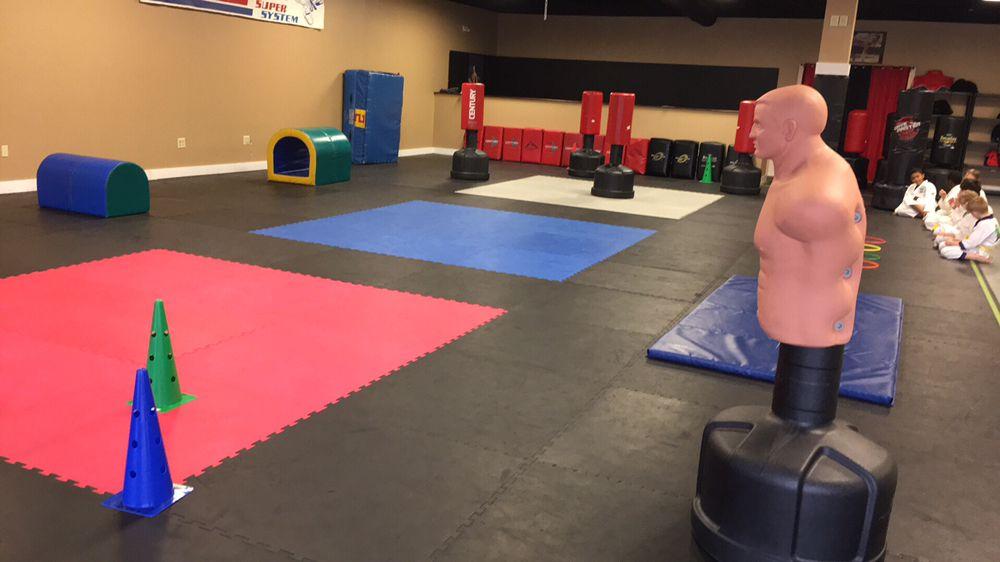 May Martial Arts: 229 S Davis Rd, Lagrange, GA