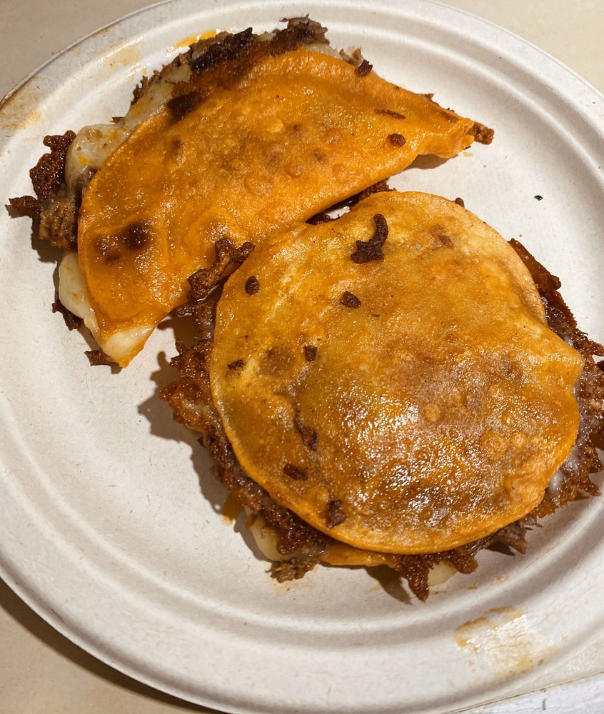 Food from Birria Bros.