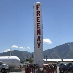 Freeway propane propano 1210 s 2000th w springville for Telefono 1210