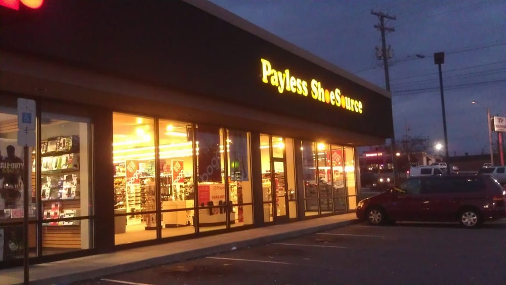Payless shoe source shoe stores 4704 south blvd for Starmount motors south blvd