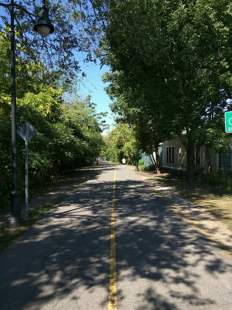 Somerville Community Path
