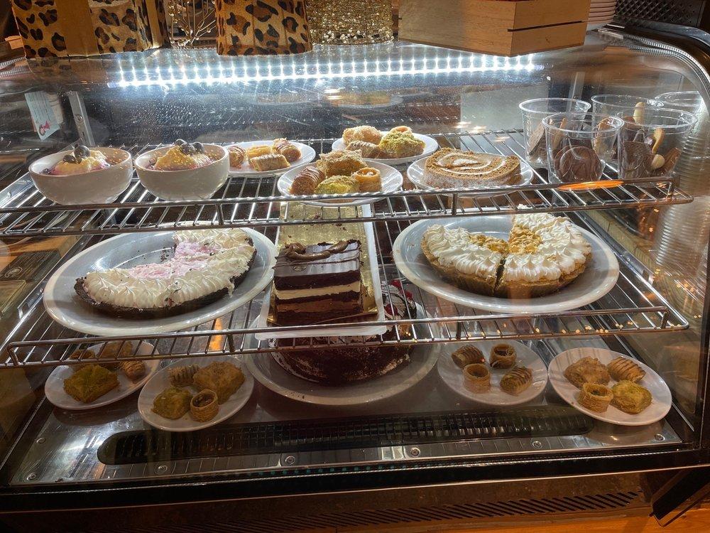 The Loopy Lemon Cafe: 611 Rutledge St, Camden, SC