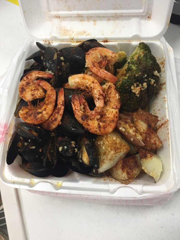 Frank's Seafood: 1305 Chester Pike, Sharon Hill, PA