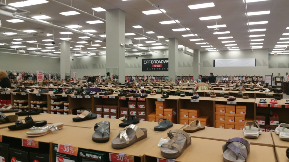 It's been 10+ years since I've been to an Off Broadway Shoe Warehouse and for the life of me I can't figure out why. This store in Potomac Mills is clean and well organized. Surprisingly, I also had customer service that rivaled Norstrom's/5(8).