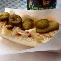 hot dog laden