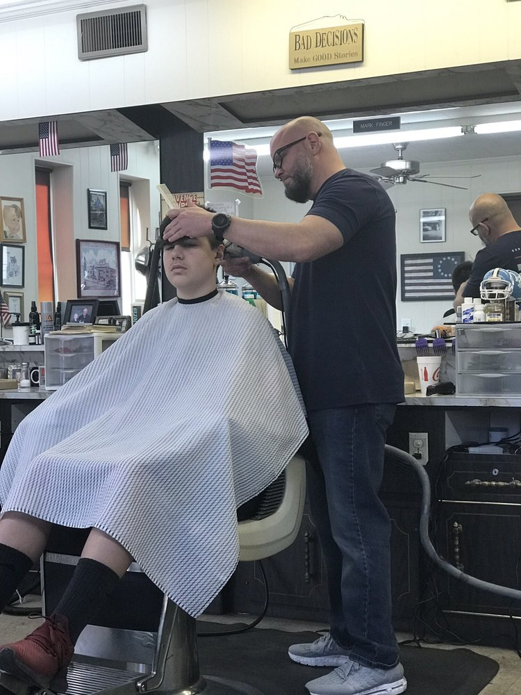 Bob's Barber Shop: 2300 Sunset Ave, Gastonia, NC