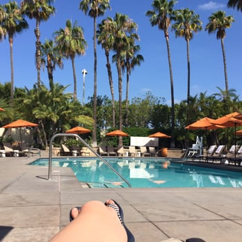 Hotel irvine 488 photos 346 reviews hotels 17900 - Menzies hotel irvine swimming pool ...
