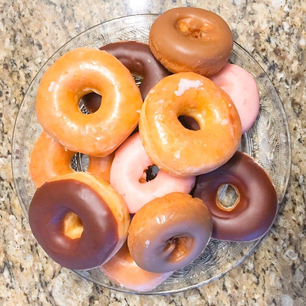 Six O One Donut Shop: 601 S Broadway St, Pittsburg, KS