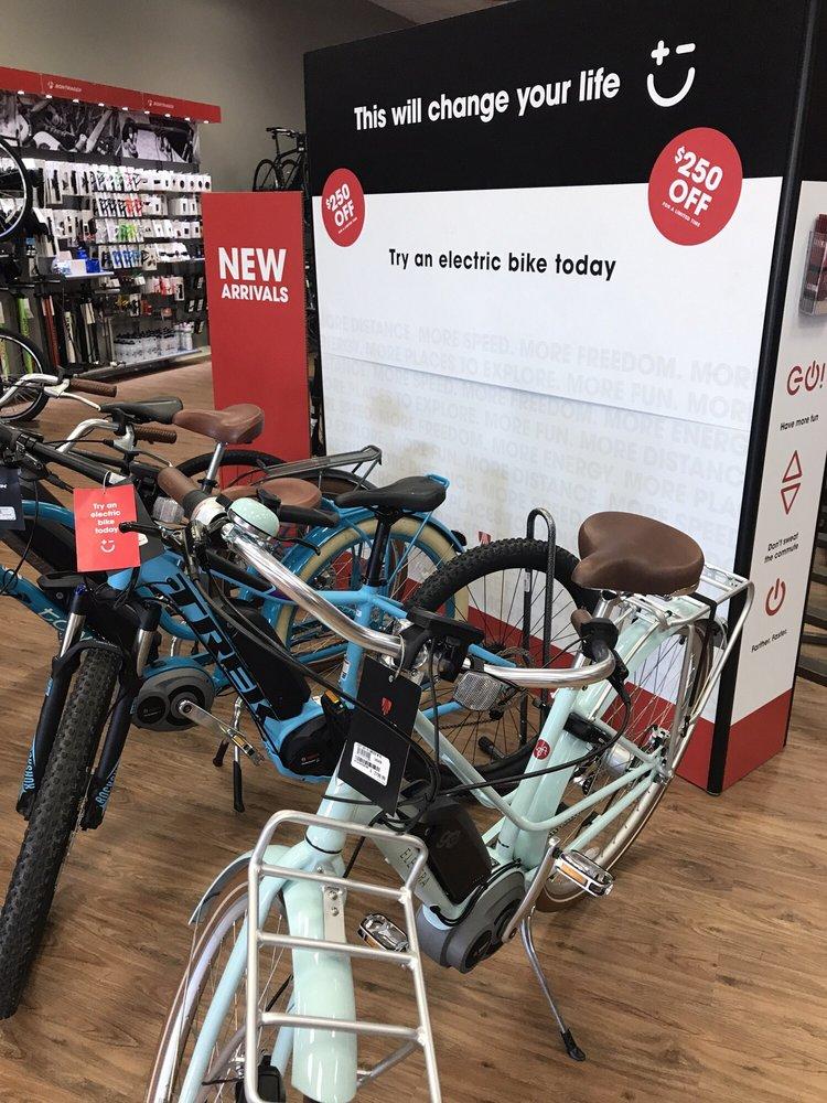 Trek Bicycle Raleigh - Holly Park
